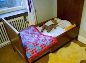 Theos säng